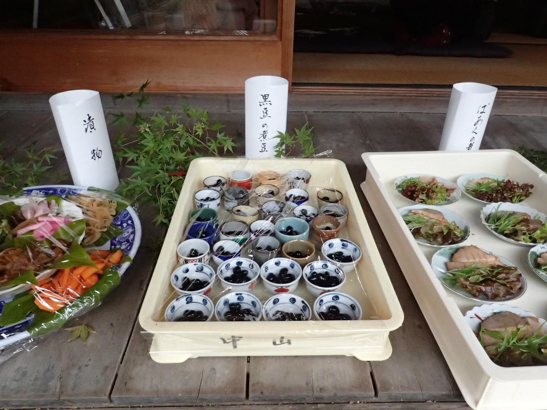 黒豆の煮豆 (*4)